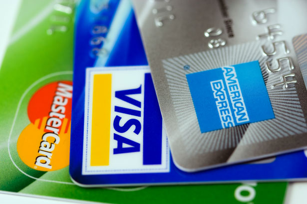 How a Credit Card Can Improve Your Credit History